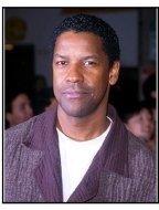 """Denzel Washington at the """"Erin Brockovich"""" Premiere"""