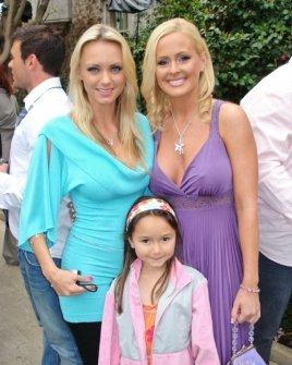 Cassandra Lynn and her daughter with Katie Lohmann