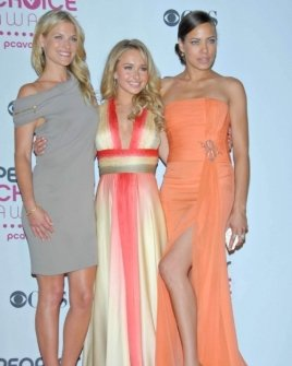 Ali Larter with Hayden Panettiere and Tawny Cypress