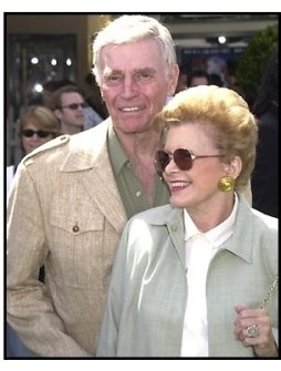Charlton Heston and wife at the Cats and Dogs premiere