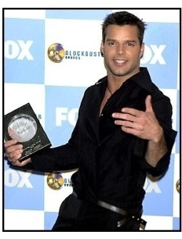 Ricky Martin backstage at the 2001 Blockbuster Entertainment Awards