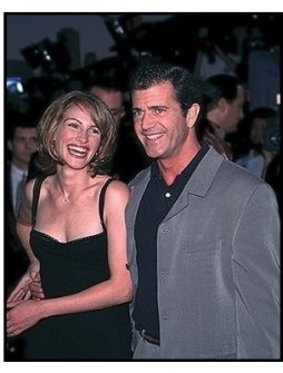 """Mel Gibson and Julia Roberts at the """"Conspiracy Theory"""" Premiere"""