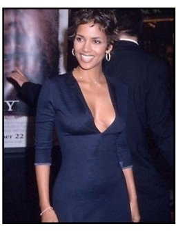 Halle Berry at the Cast Away premiere