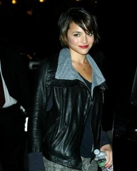 Norah Jones outside the Ed Sullivan Theater for the 'Late Show With David Letterman', New York City, 11.11.09